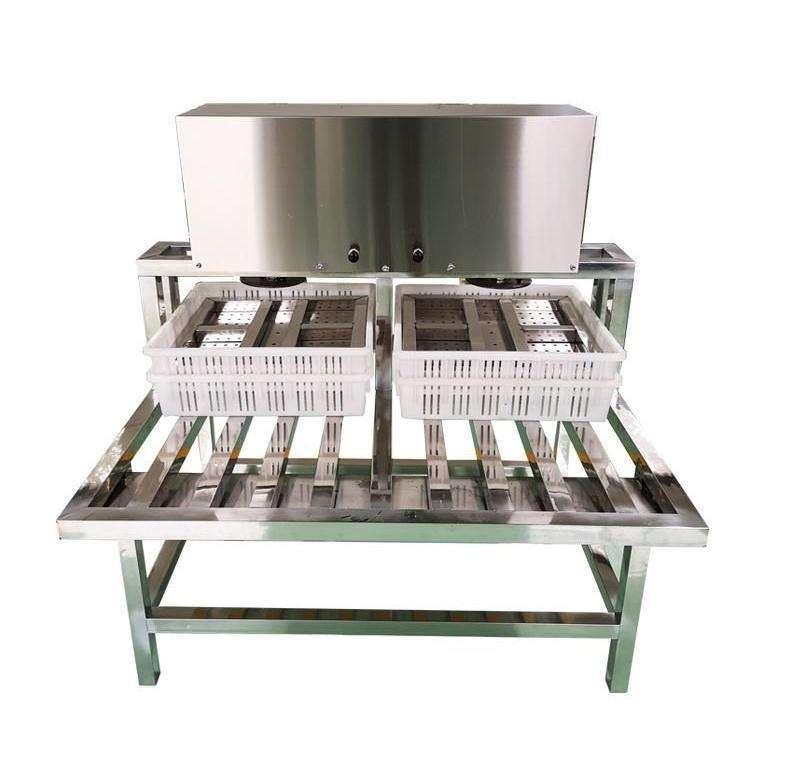 磨具压豆腐模具压干机工具成型机生产压榨豆制品机器设备的压力。
